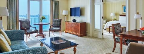 Room in Four Seasons