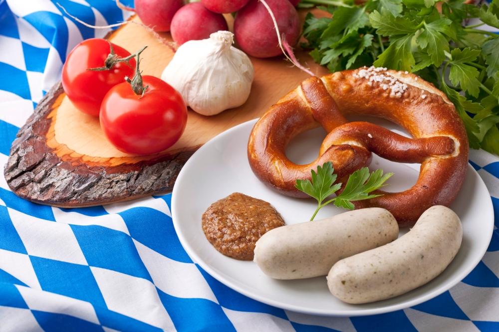 Bavarian White Sausage with Bretzels